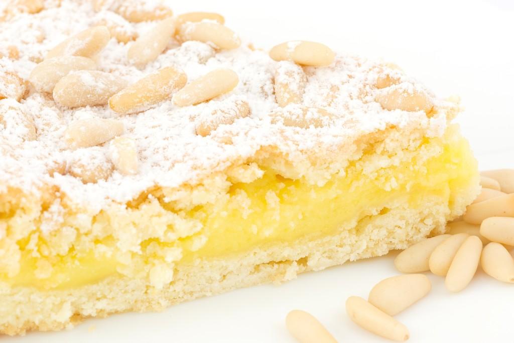 bigstock-Grandma-s-cake-39485224(1)