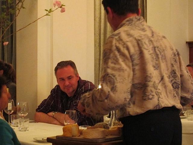 A Le Hollandais customer making his cheese choices