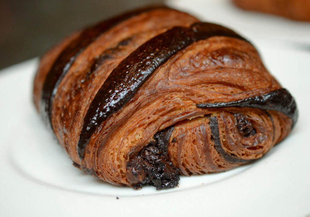 italianne-restaurant-flat-iron-croissants-niko-triantafillou-03-2017-Pain-Au-chocolate