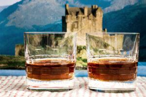 Scotch_Whisky_Neat_Glass_Scotland_Castle